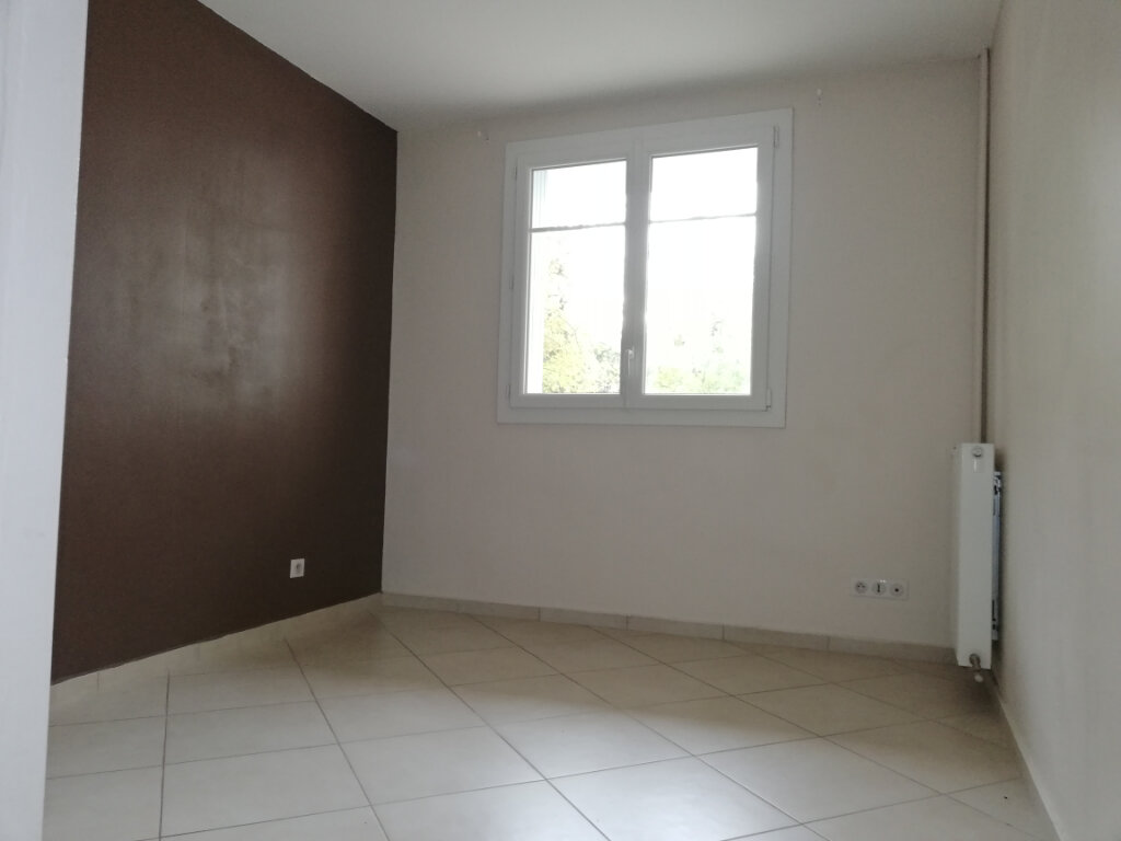 Appartement à louer 2 46.7m2 à Toulon vignette-3
