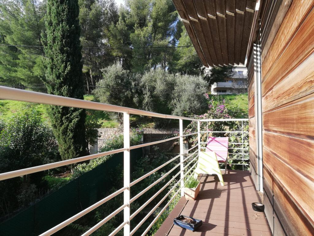 Maison à louer 6 136.75m2 à Toulon vignette-2