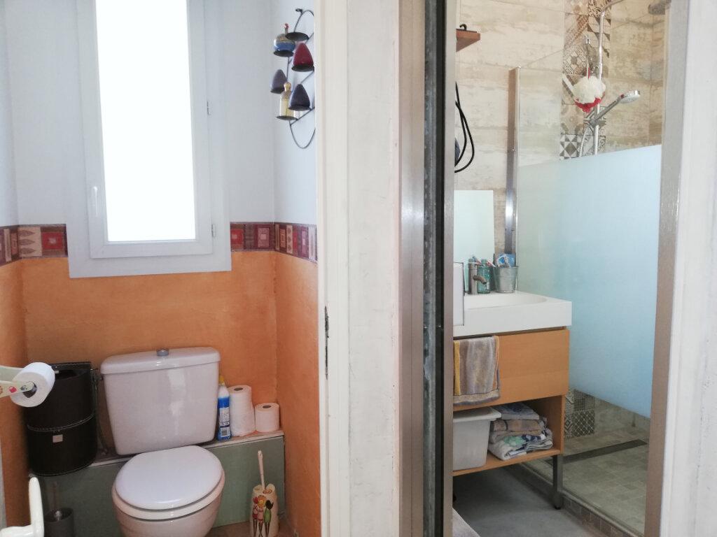 Maison à louer 6 136.75m2 à Toulon vignette-8