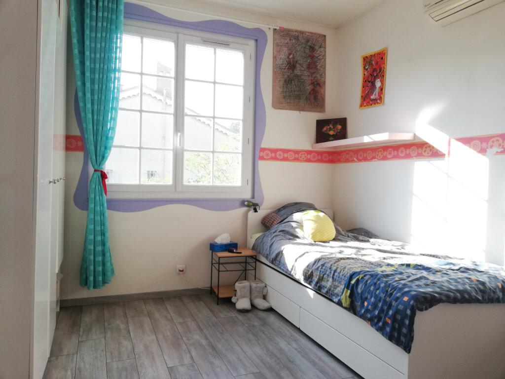 Maison à louer 6 136.75m2 à Toulon vignette-10