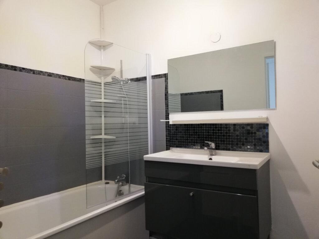Appartement à louer 2 51.58m2 à Toulon vignette-6