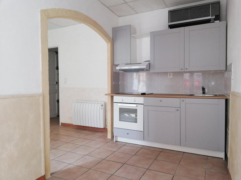 Appartement à louer 3 56.04m2 à Toulon vignette-1
