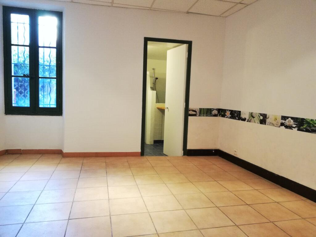 Appartement à louer 3 56.04m2 à Toulon vignette-5