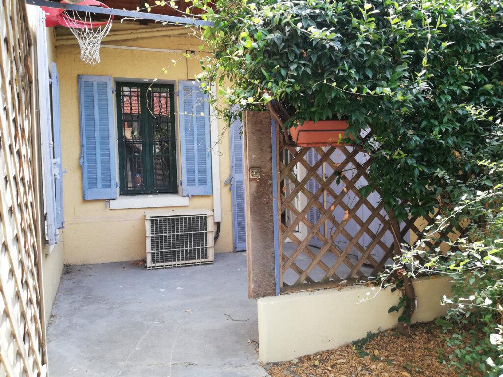 Appartement à louer 3 56.04m2 à Toulon vignette-6