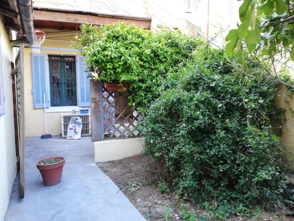 Appartement à louer 3 56.04m2 à Toulon vignette-8