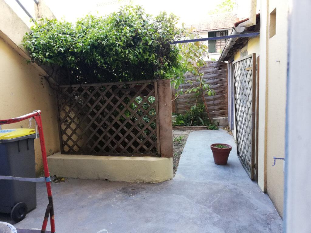 Appartement à louer 3 56.04m2 à Toulon vignette-10