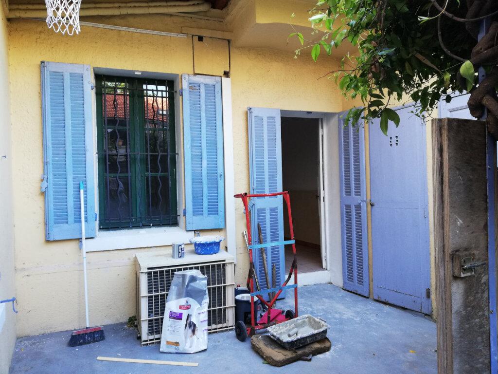Appartement à louer 3 56.04m2 à Toulon vignette-11