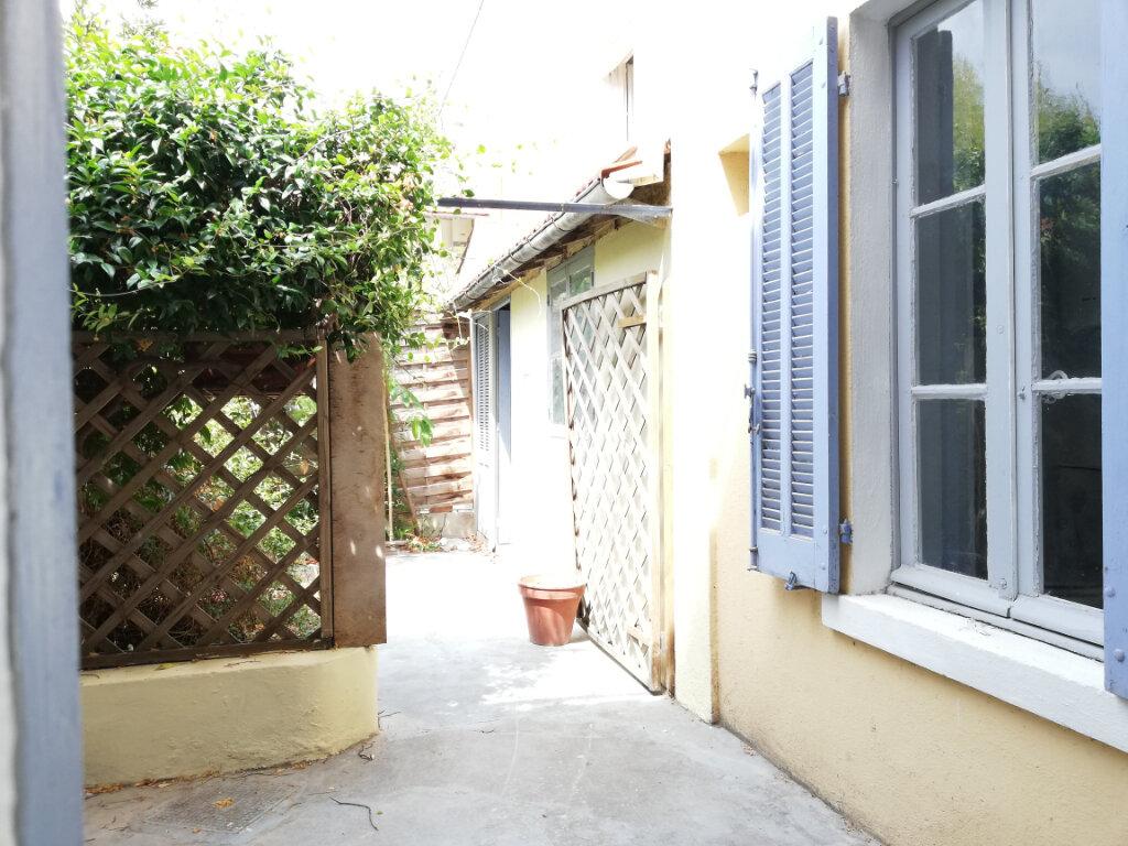 Appartement à louer 3 56.04m2 à Toulon vignette-13