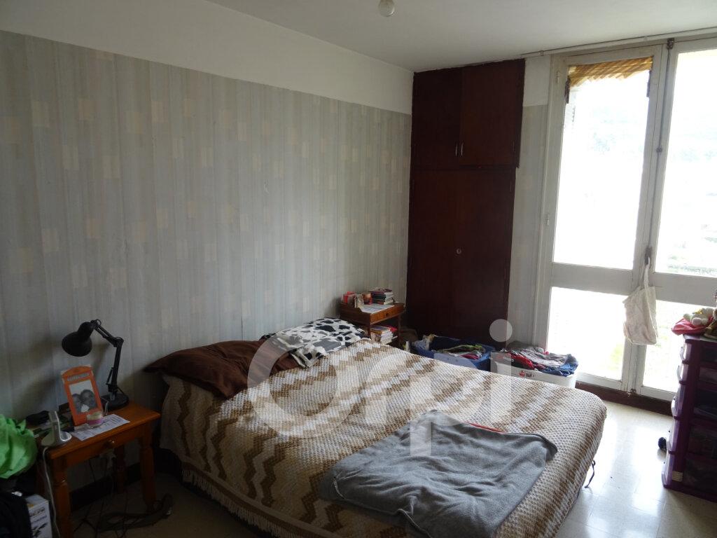 Appartement à vendre 4 65m2 à Toulon vignette-3