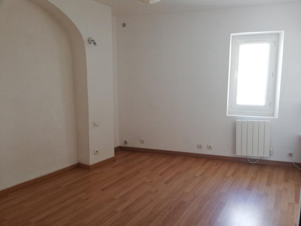 Appartement à louer 3 57.73m2 à La Cadière-d'Azur vignette-3