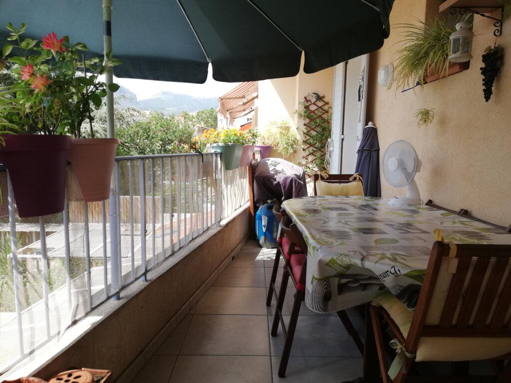 Appartement à louer 4 77.4m2 à Toulon vignette-1