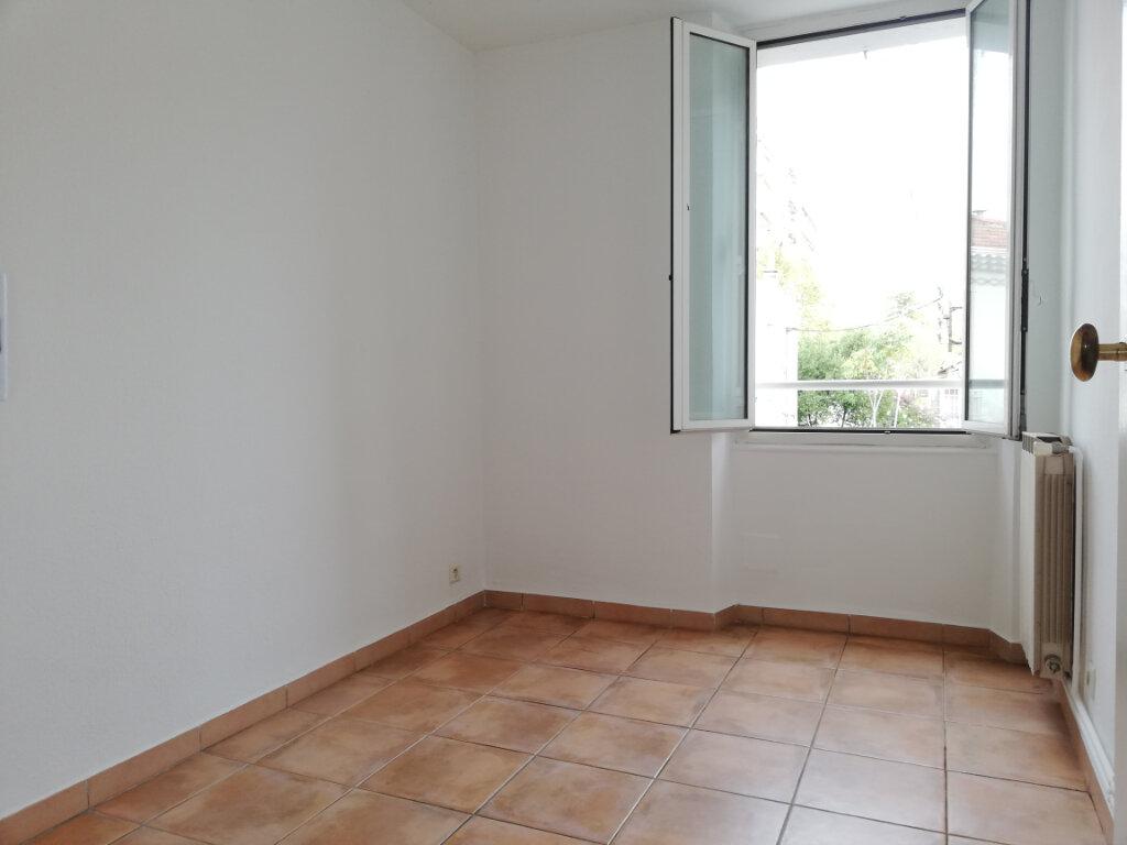Appartement à louer 4 77.4m2 à Toulon vignette-6