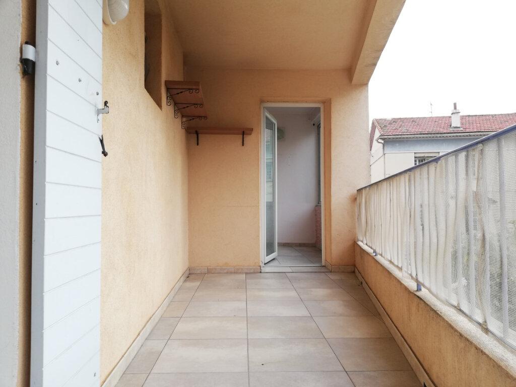 Appartement à louer 4 77.4m2 à Toulon vignette-7