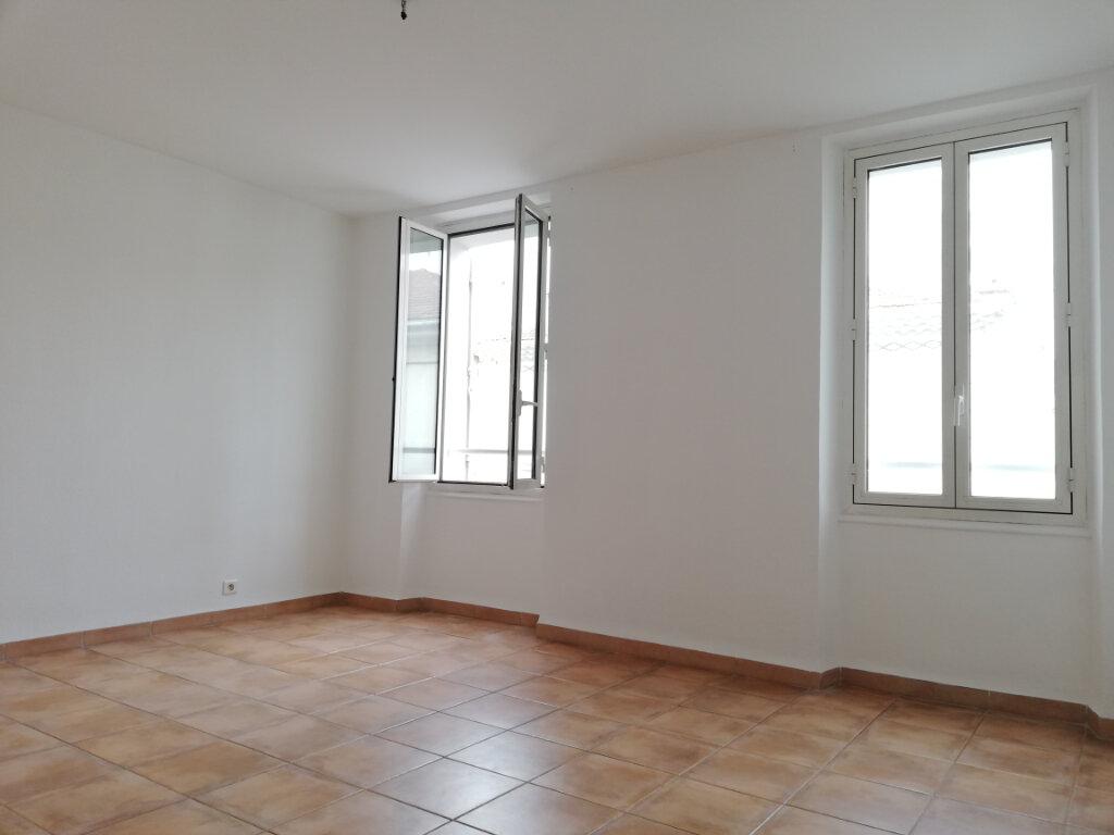 Appartement à louer 4 77.4m2 à Toulon vignette-8