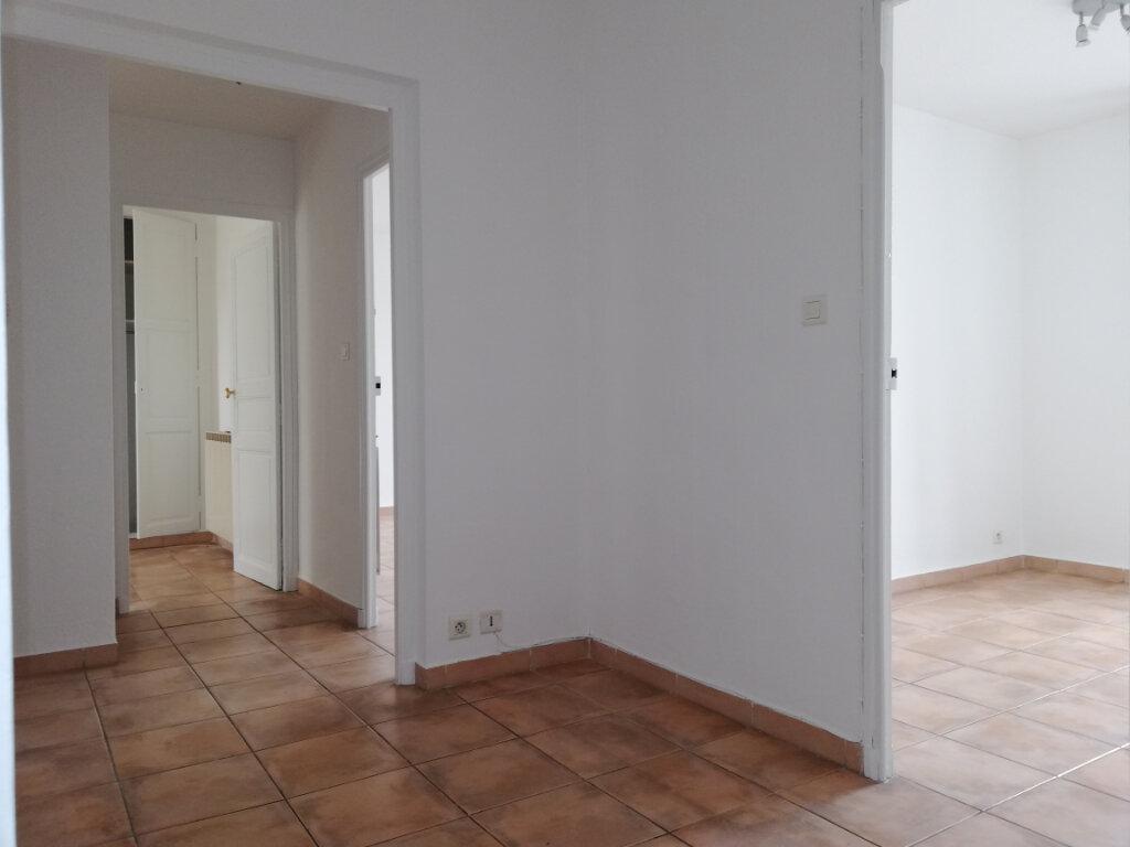 Appartement à louer 4 77.4m2 à Toulon vignette-9