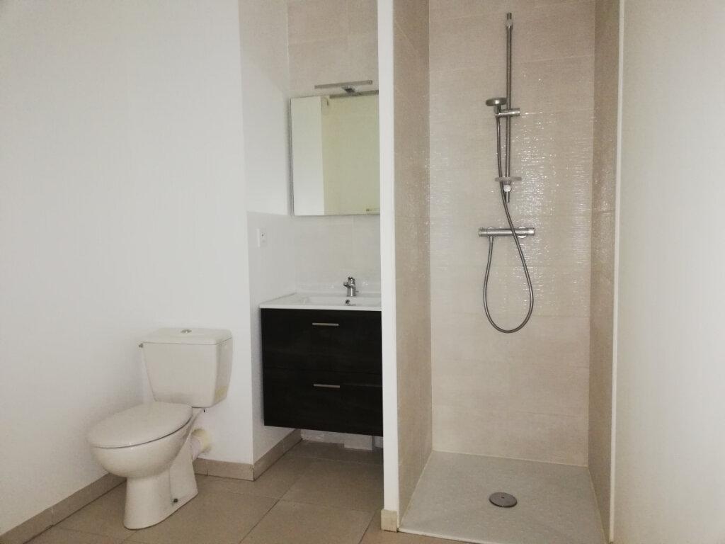Appartement à louer 1 25.1m2 à Toulon vignette-3