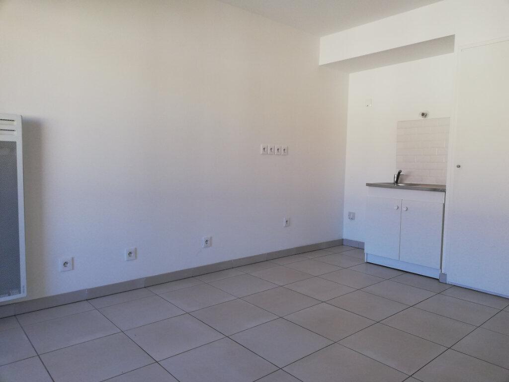 Appartement à louer 1 25.1m2 à Toulon vignette-4
