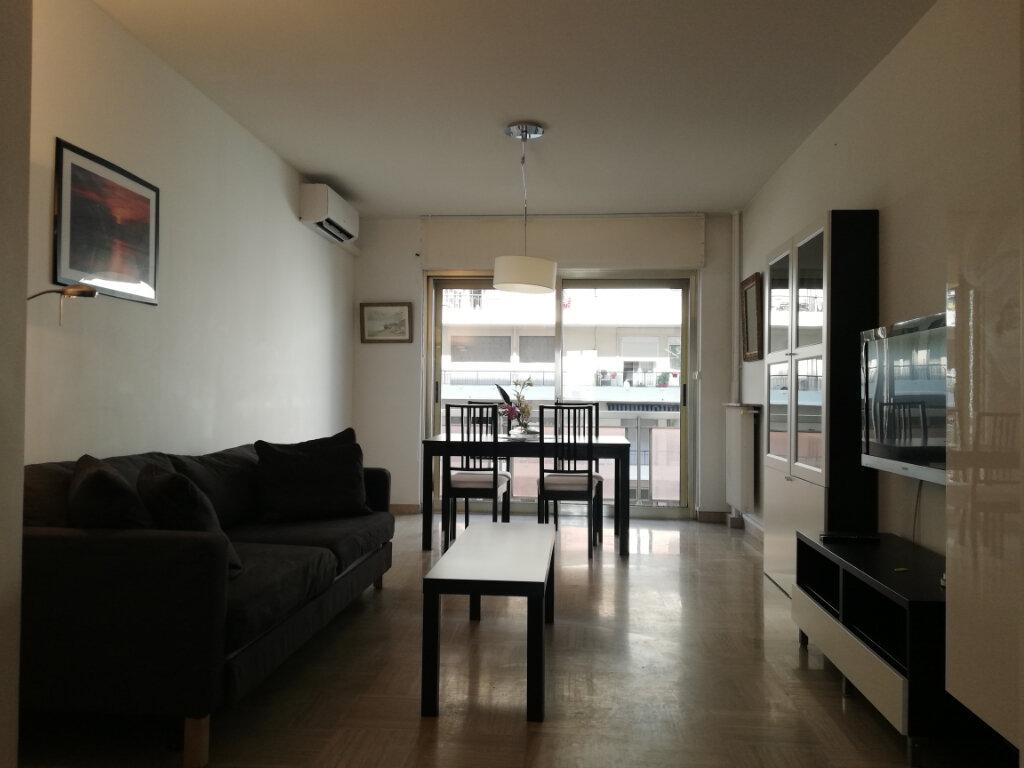Appartement à louer 3 69.45m2 à Toulon vignette-1
