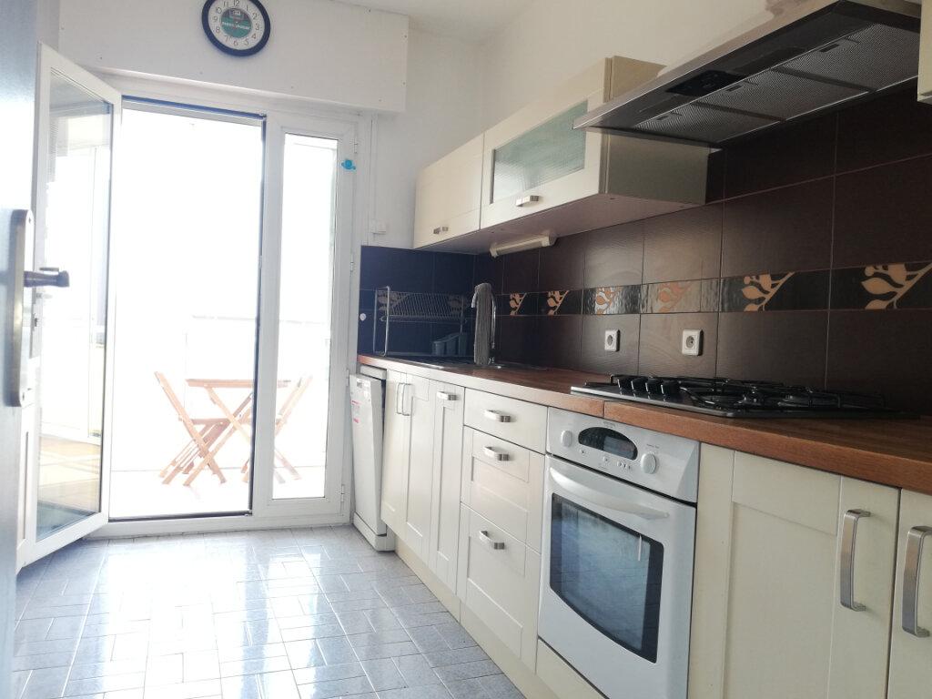 Appartement à louer 3 69.45m2 à Toulon vignette-2