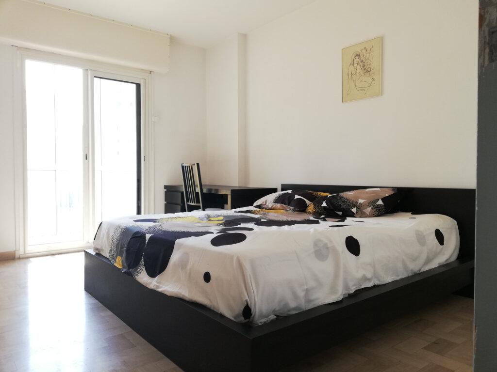 Appartement à louer 3 69.45m2 à Toulon vignette-4