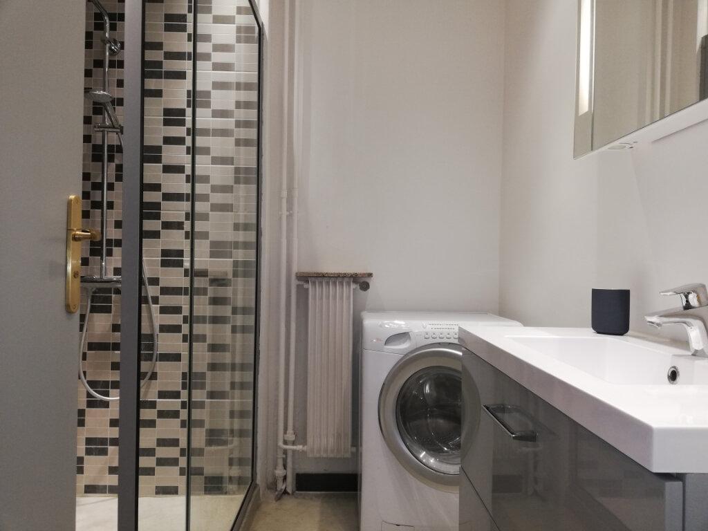 Appartement à louer 3 69.45m2 à Toulon vignette-5
