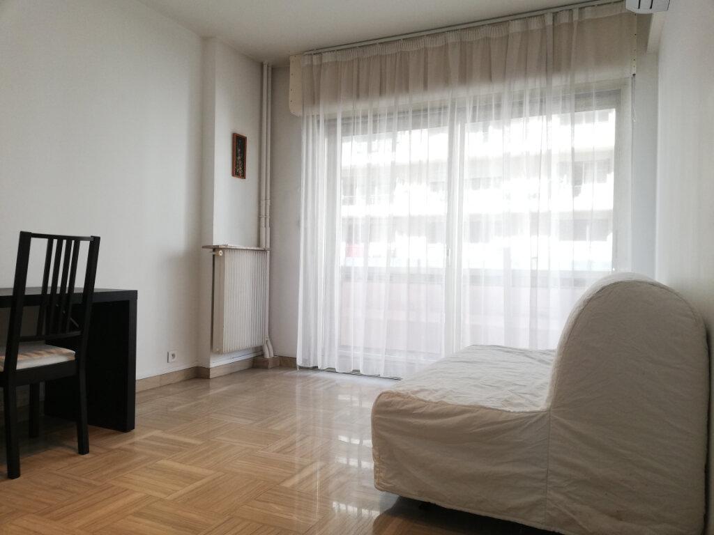Appartement à louer 3 69.45m2 à Toulon vignette-6