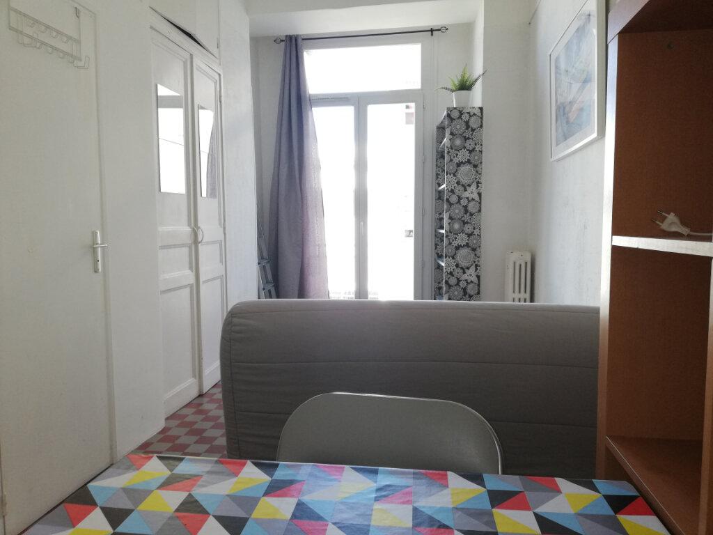 Appartement à louer 1 17m2 à Toulon vignette-5