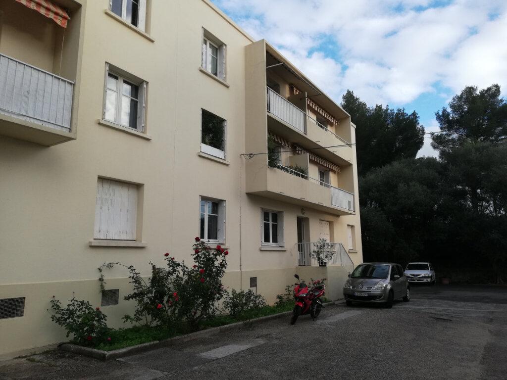 Appartement à louer 3 54m2 à Toulon vignette-1