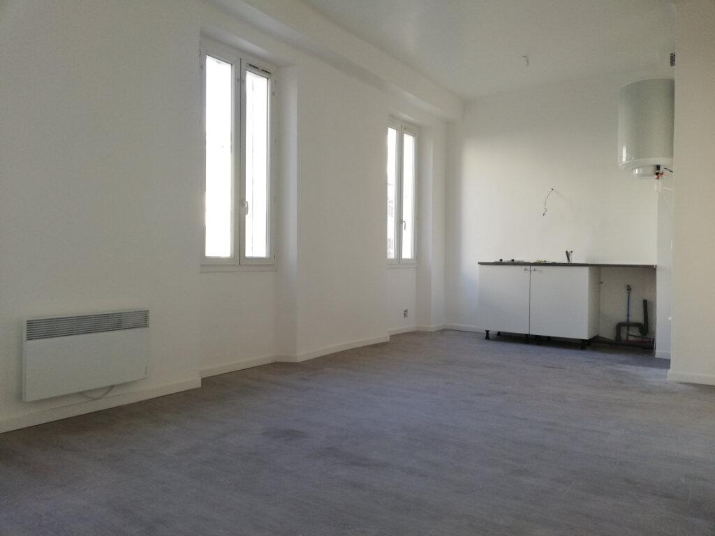 Appartement à louer 2 38m2 à Toulon vignette-3