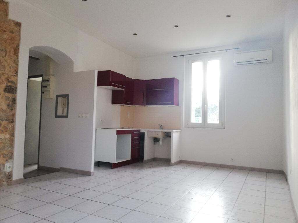 Appartement à louer 2 45m2 à Toulon vignette-2
