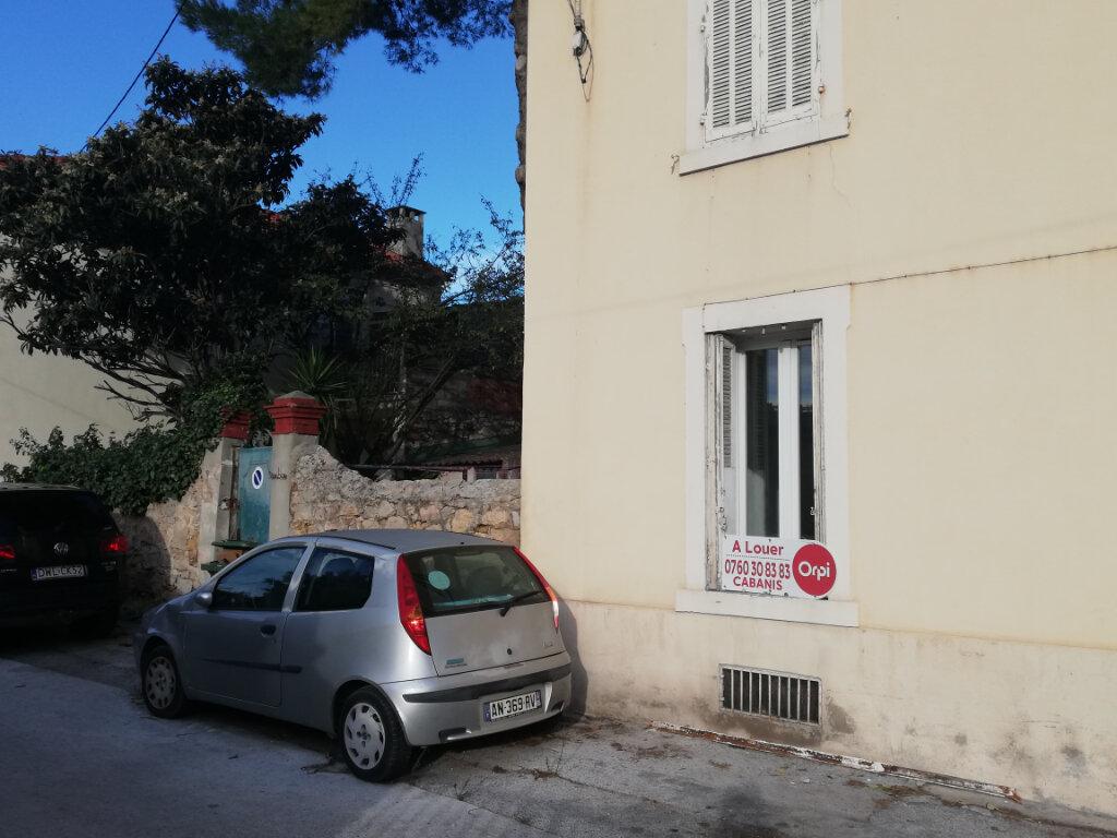 Appartement à louer 2 45m2 à Toulon vignette-7
