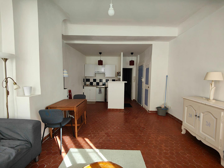 Appartement à louer 2 37m2 à Toulon vignette-2