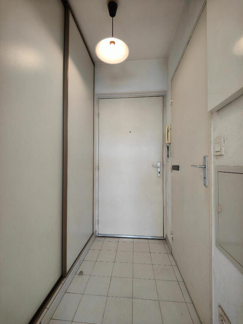 Appartement à louer 1 23.24m2 à Toulon vignette-6