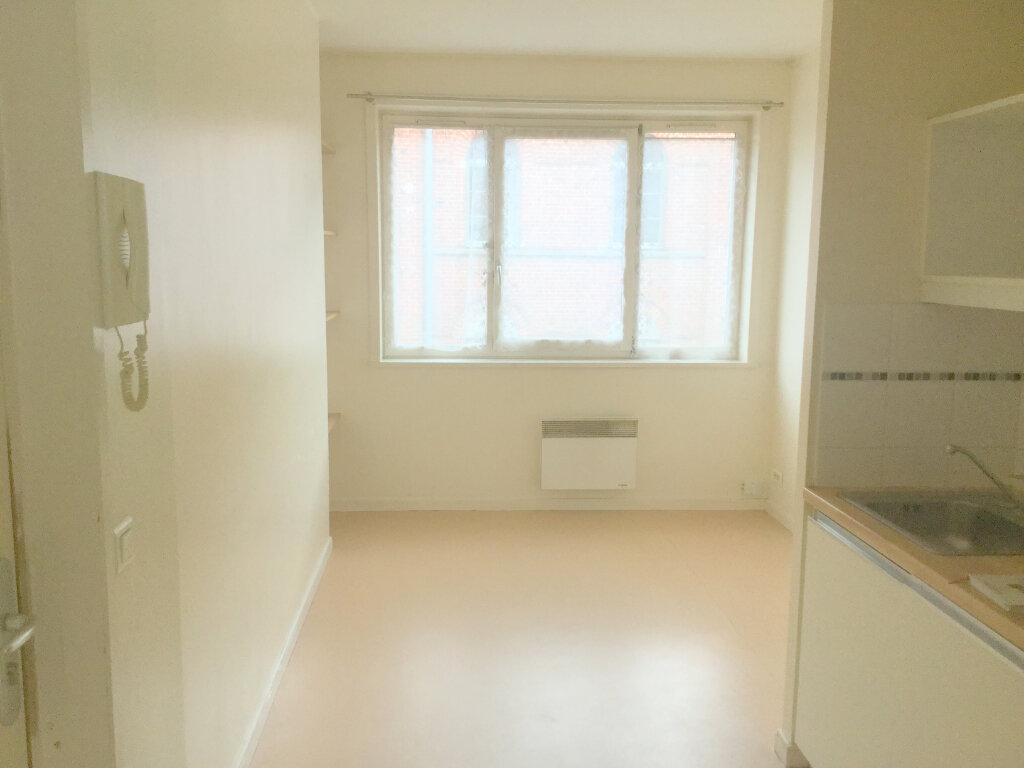 Appartement à louer 1 29m2 à La Madeleine vignette-1