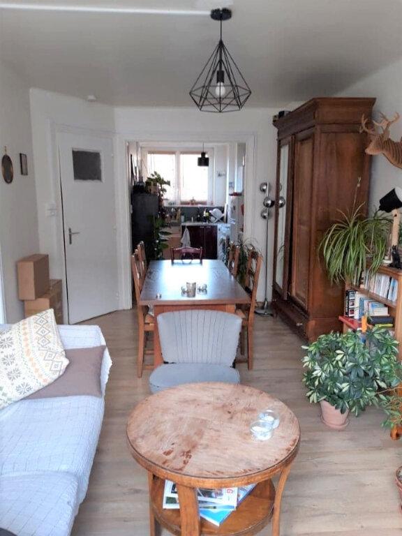 Appartement à louer 2 38m2 à Lille vignette-1