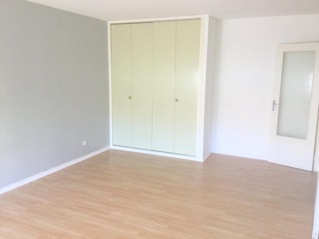 Appartement à louer 1 35m2 à La Madeleine vignette-1