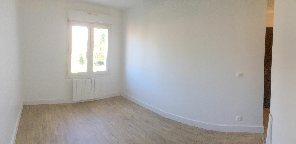 Appartement à louer 1 19m2 à La Madeleine vignette-2