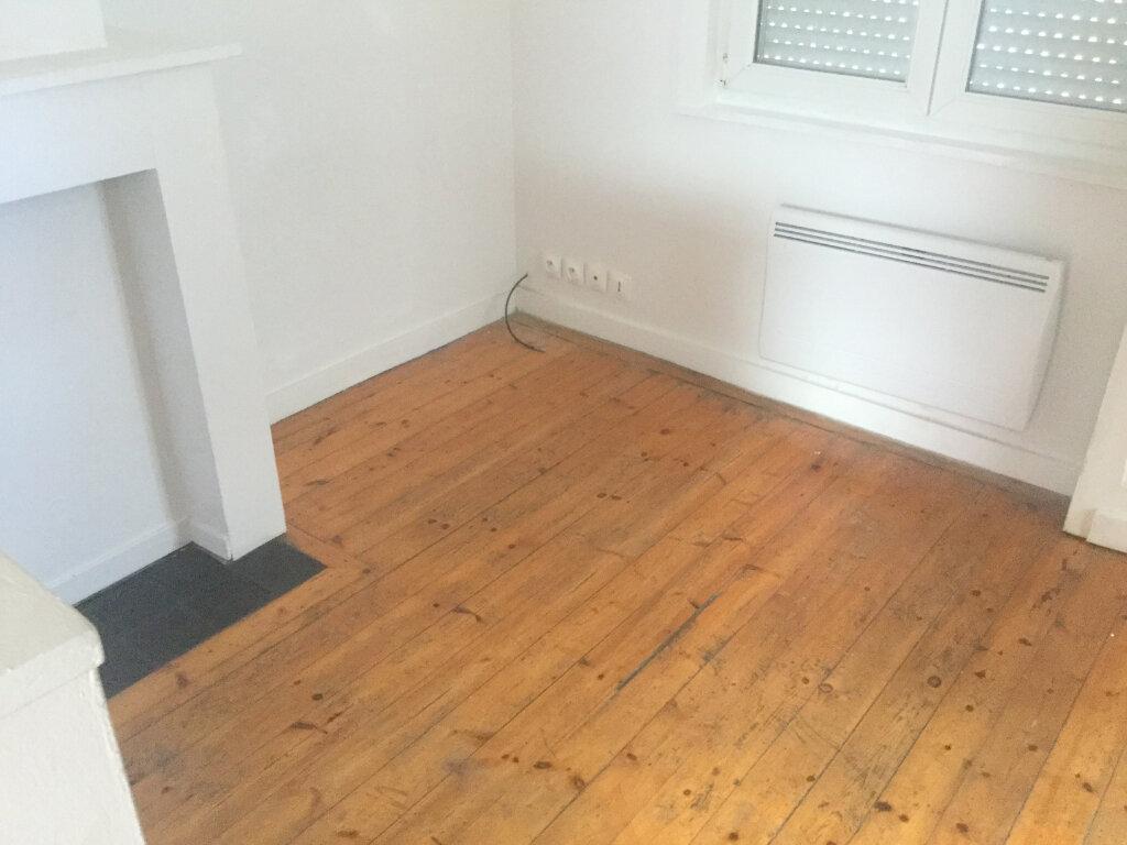 Appartement à louer 2 27m2 à Lambersart vignette-2