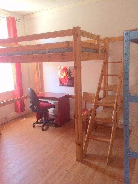 Appartement à louer 1 26m2 à La Madeleine vignette-1
