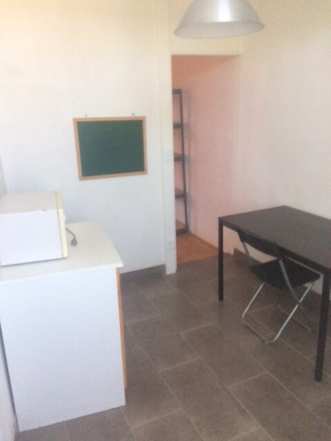Appartement à louer 1 26m2 à La Madeleine vignette-4