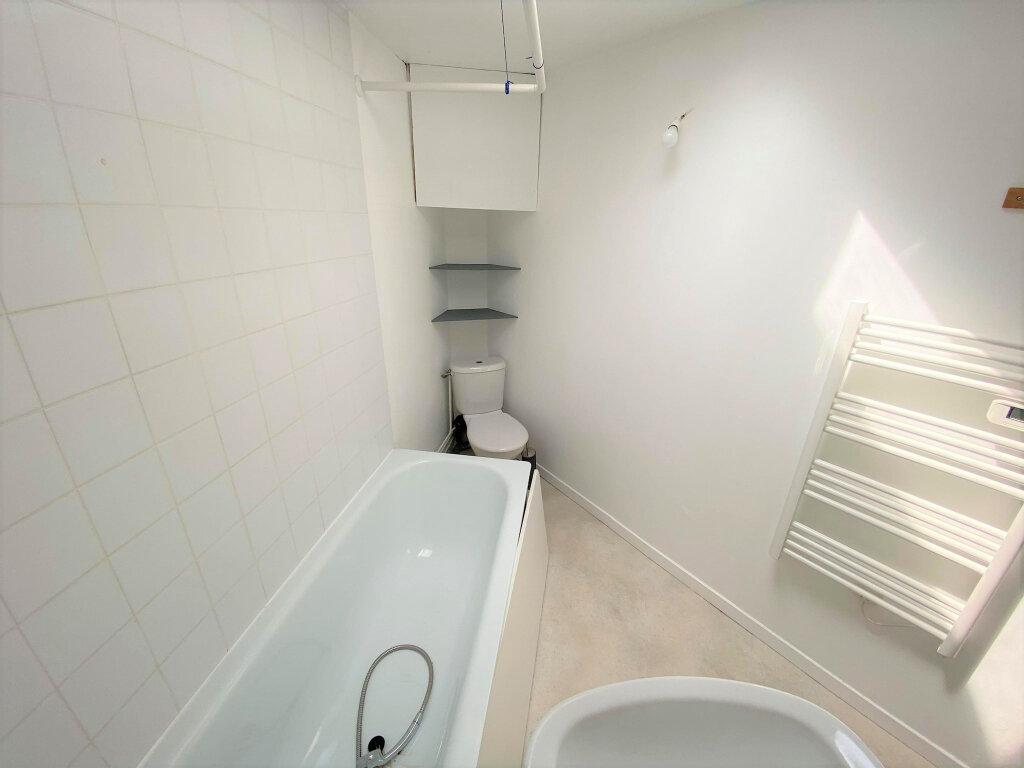 Appartement à louer 2 40m2 à Lille vignette-4