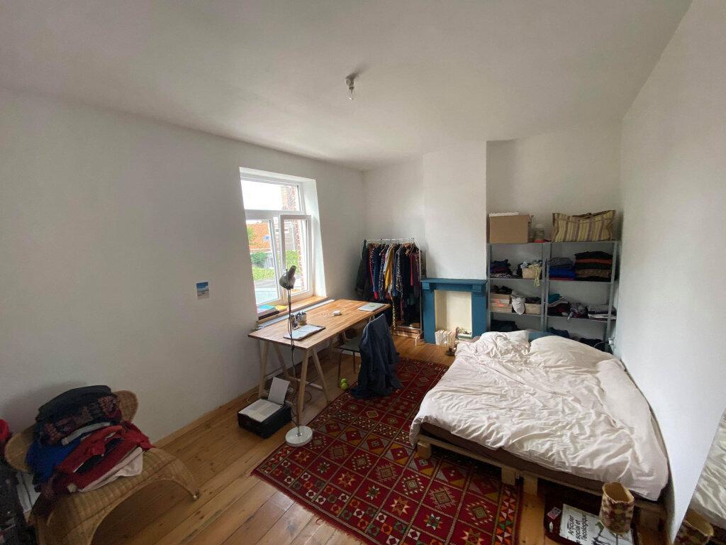 Maison à vendre 5 147m2 à Lille vignette-4
