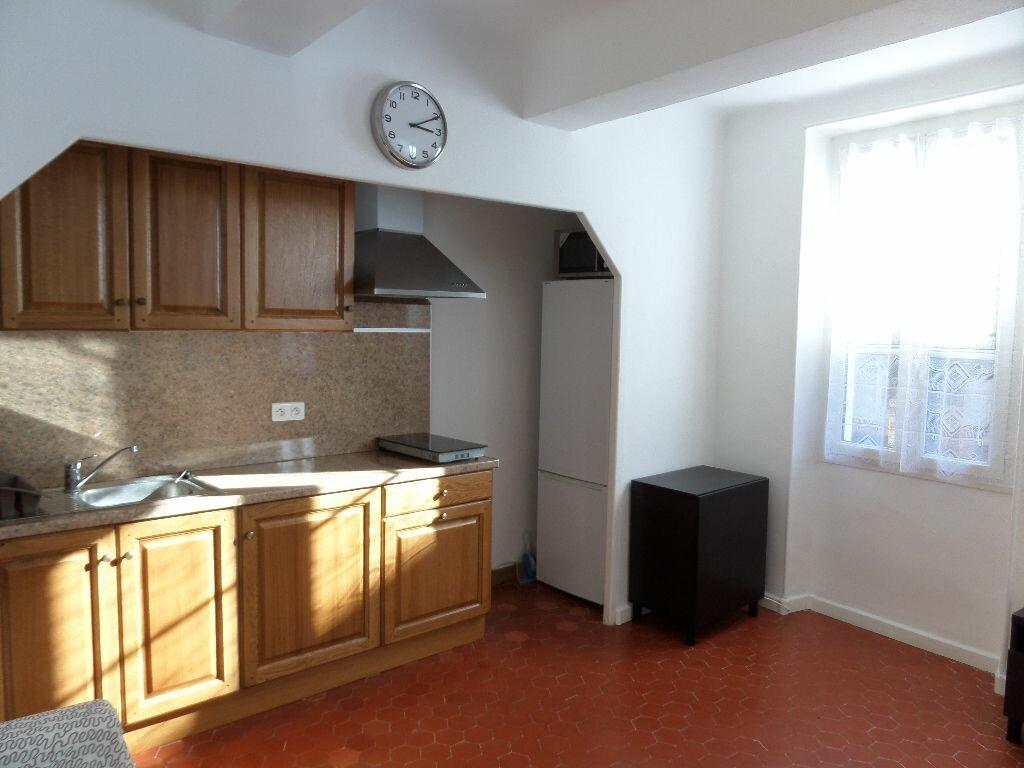 Appartement à louer 2 40m2 à Le Puy-Sainte-Réparade vignette-2