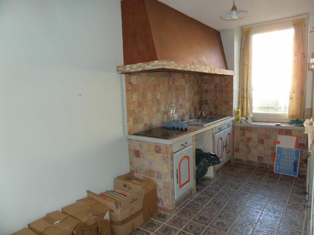 Maison à vendre 7 180m2 à Cadenet vignette-6