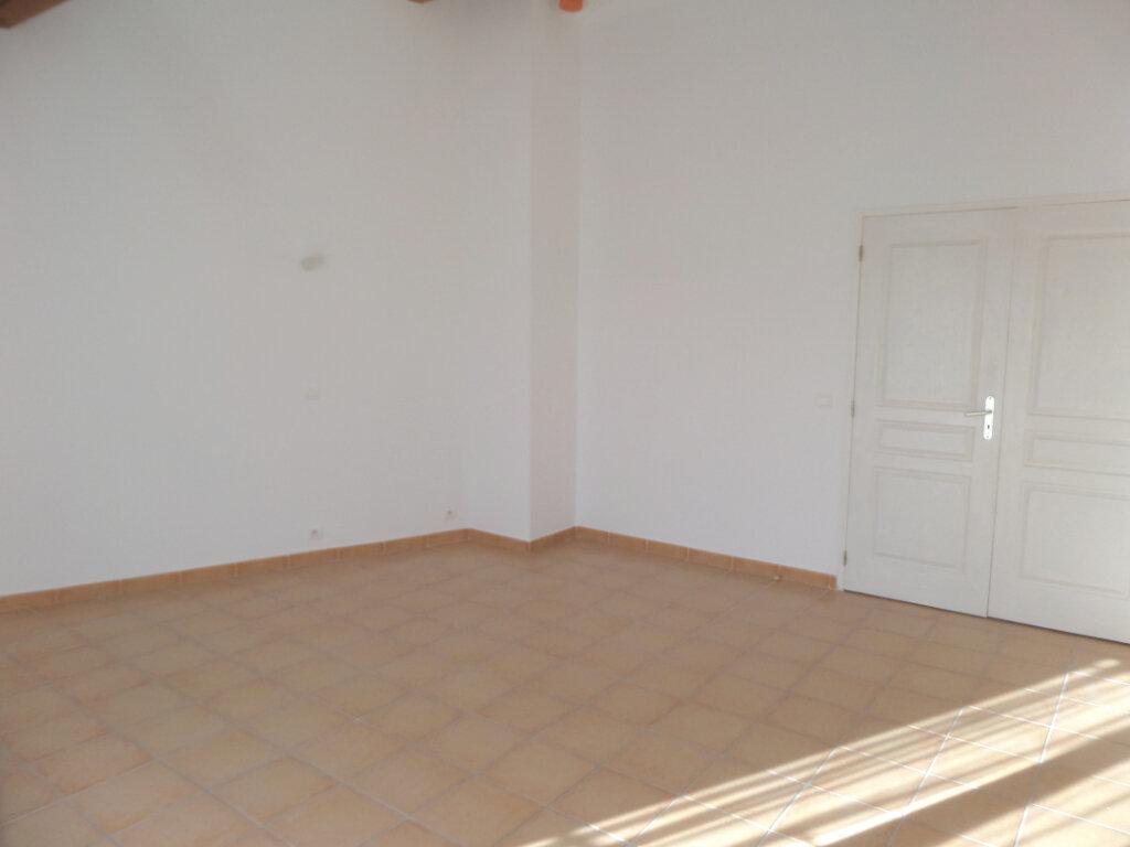 Appartement à louer 4 82m2 à Cadenet vignette-3