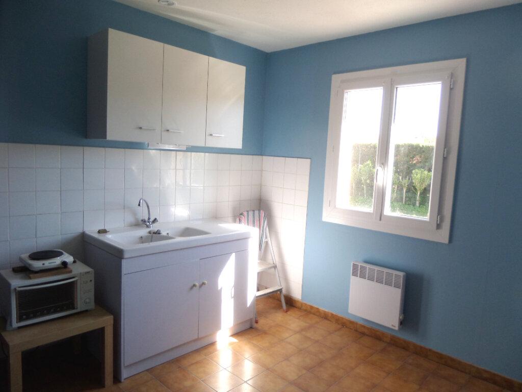 Maison à louer 3 73m2 à Le Puy-Sainte-Réparade vignette-4
