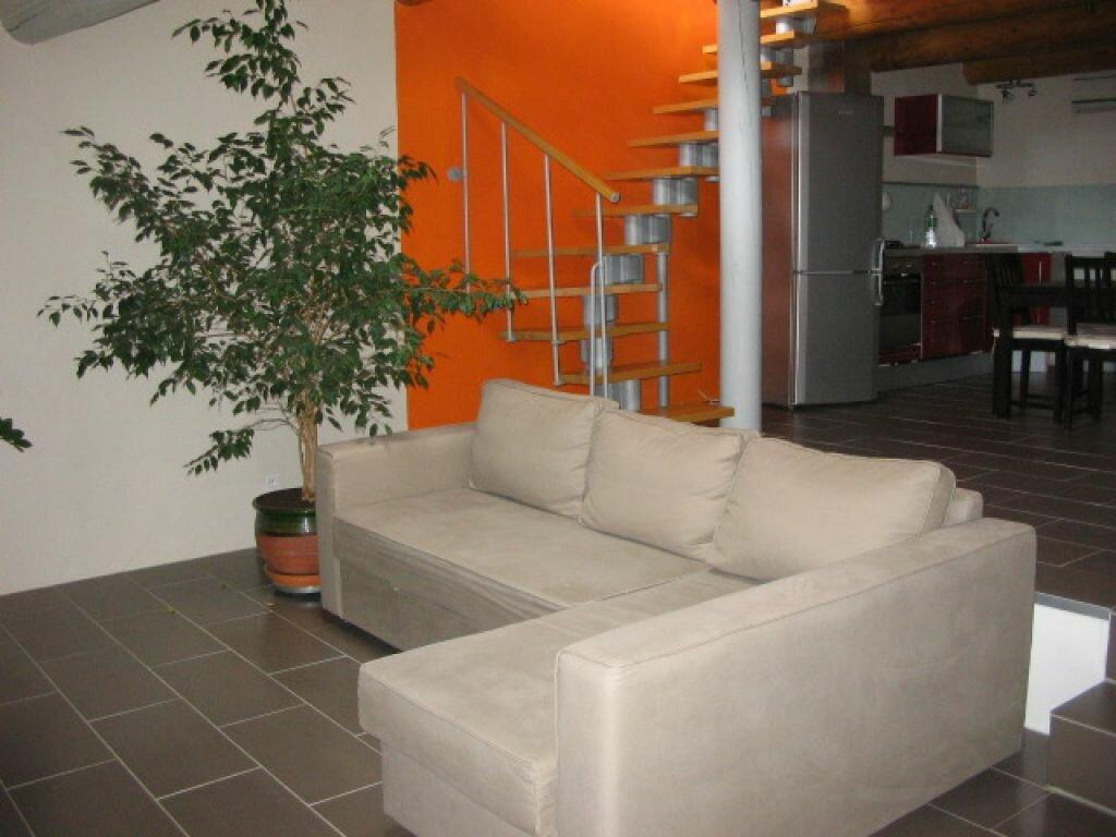 Appartement à louer 2 50m2 à Lauris vignette-4