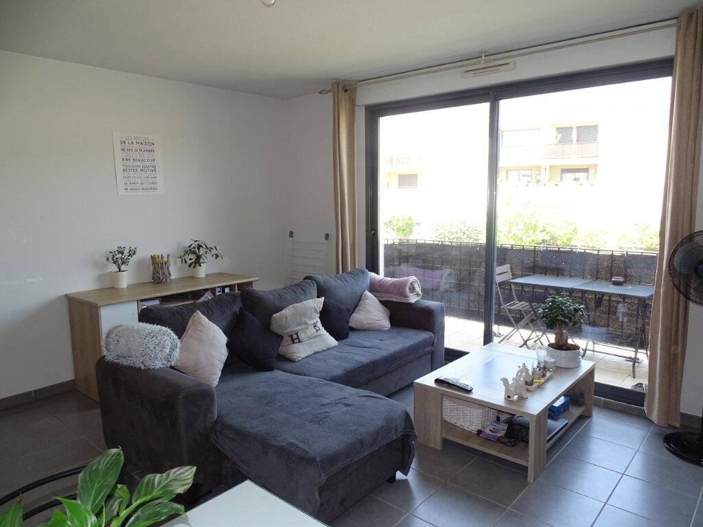 Appartement à louer 2 46m2 à Cadenet vignette-1