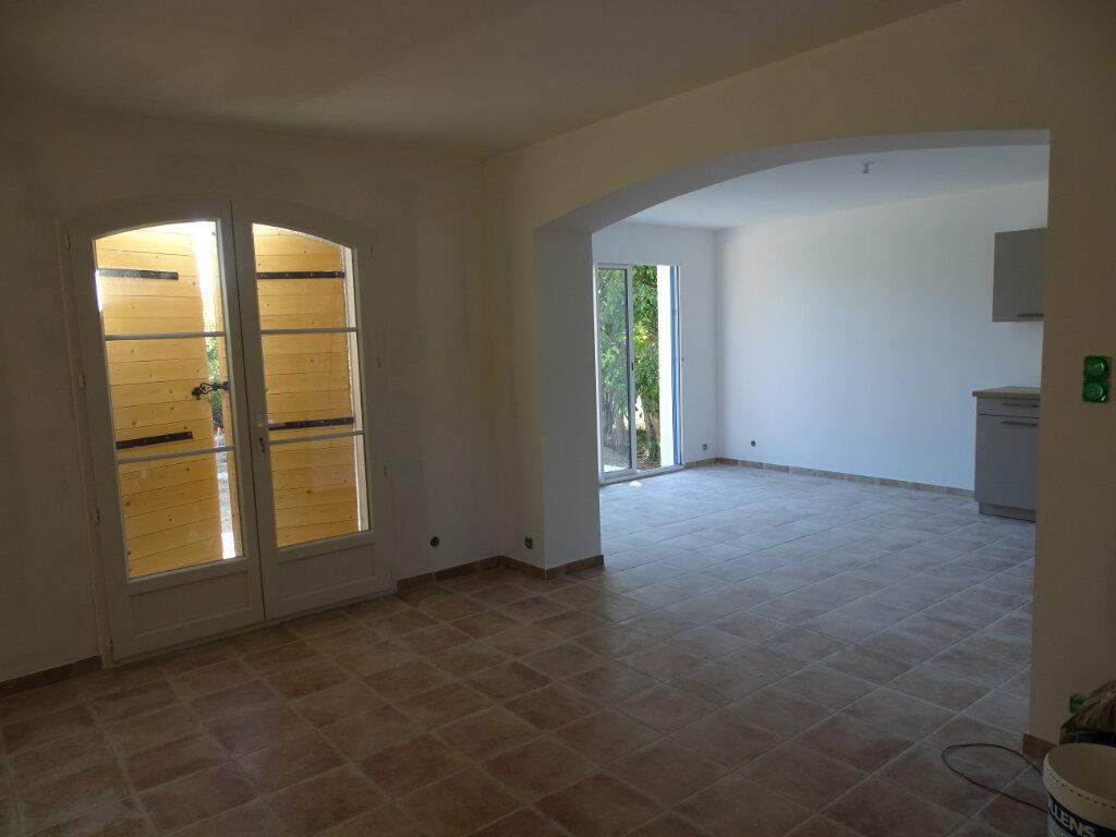Maison à louer 3 80m2 à Cadenet vignette-3