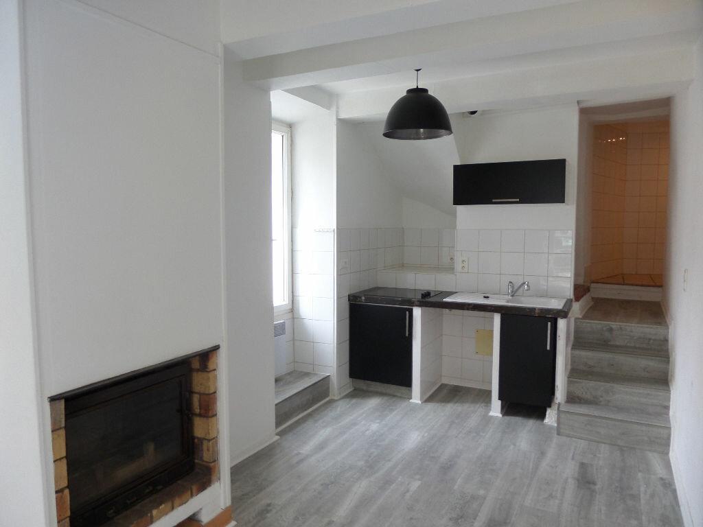 Appartement à louer 4 68m2 à Cadenet vignette-1